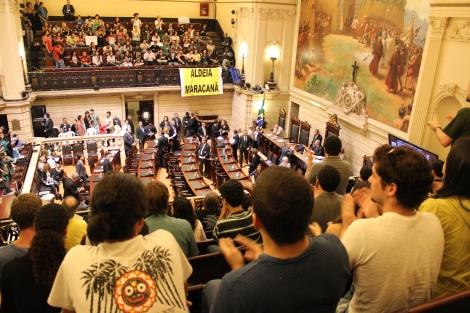 Manifestantes ocuparam  as galerias da Câmara dos Vereadores para exigir a instalação da CPI dos Ônibus